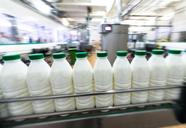 plastik şişe süt dolum ve kapatma makinası tetripak makine